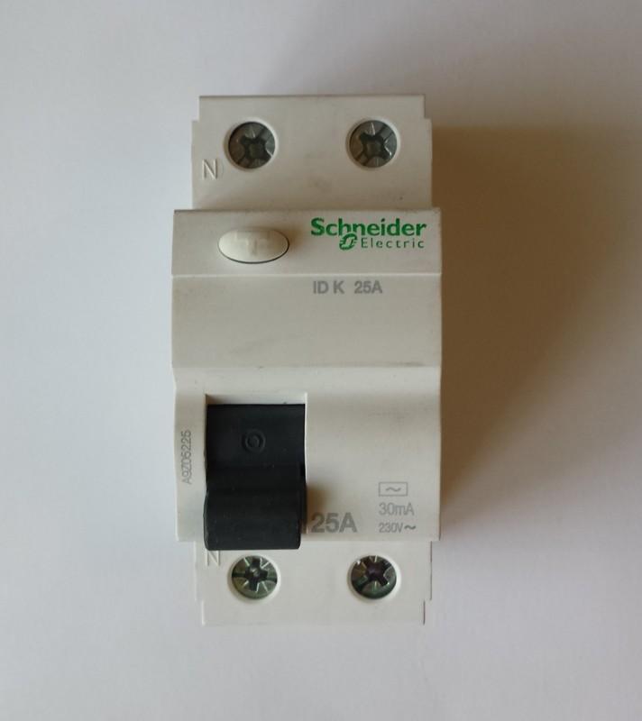 Rysunek 6. Wyłącznik różnicowo-prądowy 25A/30mA/2P