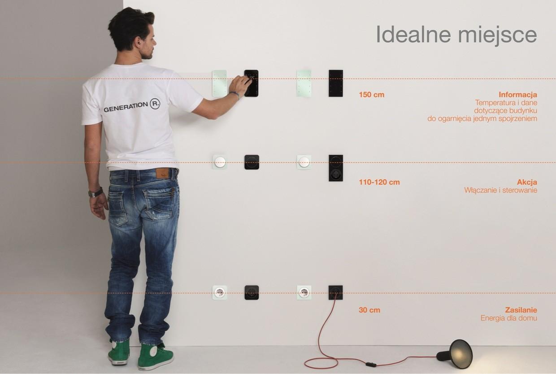 Urządzenia z wyświetlaczami, służące do sterowania budynkiem powinny być montowane na wysokości ułatwiającej czytanie, fot. Hager.