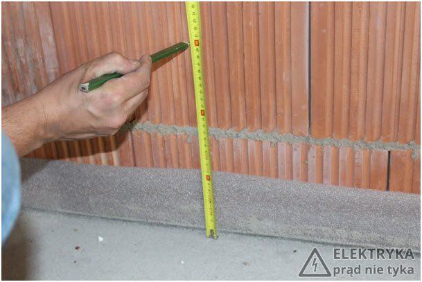 Rys. 3. Wyznaczenie punktu instalacji puszki gniazdkowej