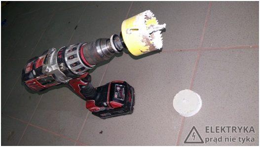 RYS.8 Zestaw narzędzi niezbędnych do wykonania otworu w płycie g-k