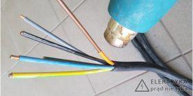 Rys. 7. Zabezpieczanie uszkodzonej izolacji za pomocą rurki termokurczliwej