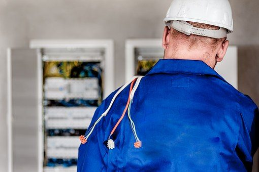 electrician-1080586__340.jpg